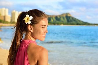 ハワイの伝統!精神面まで癒しが届く ヒーリングマッサージロミロミとは