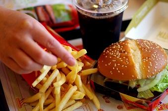 慌てないで!早食いは太るし健康にも悪いんです