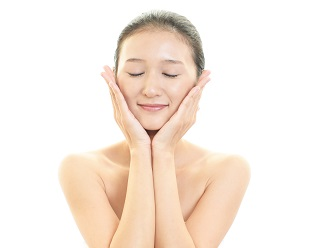 夢の小顔に!表情筋トレーニング顔痩せリンパマッサージの基本ステップ